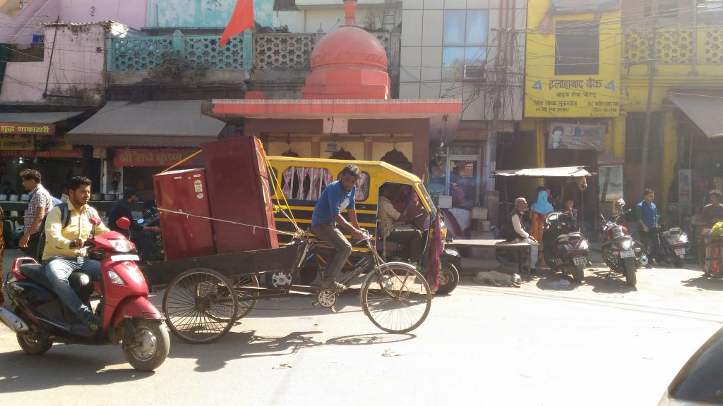 Best modes to travel in traffic heavy Allahabad.