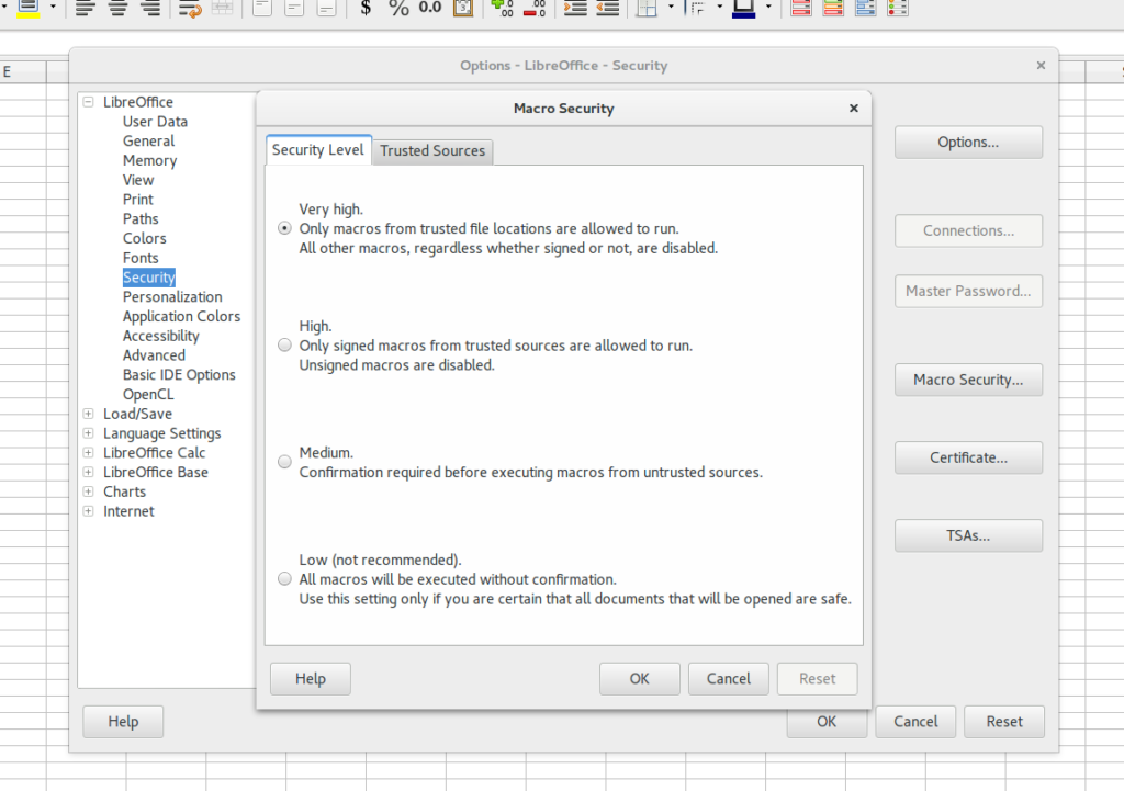 Display Screenshot of Libreoffice Macro Security settings